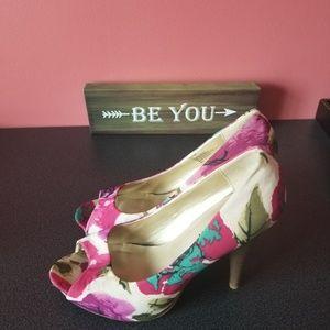 Madden girl floral heels shoes size 11